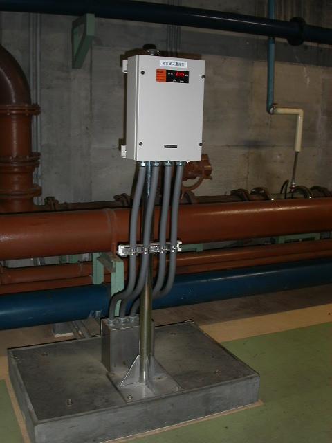 消泡式汚泥濃度計変換器 設置例