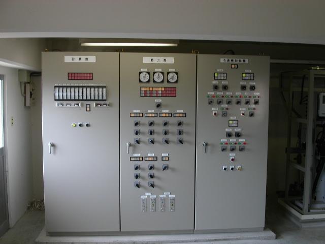 現場監視計装盤例